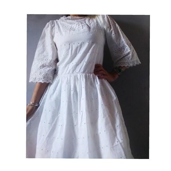 1960s White Cotton Broderie Anglaise Midi Prairie
