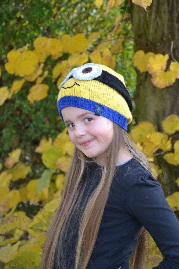 Childrens Minions HG Winter Hat Mittens Set