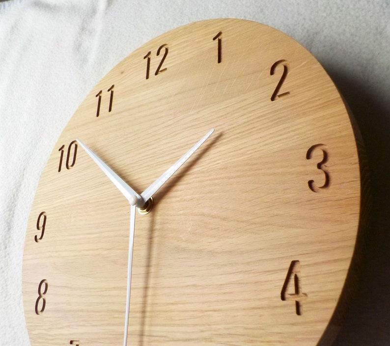Horloge moderne, horloge en bois de chêne naturel, horloge de mur, grande horloge de mur, horloge minimaliste, horloge de mur en bois, mécanisme silencieux, fait main