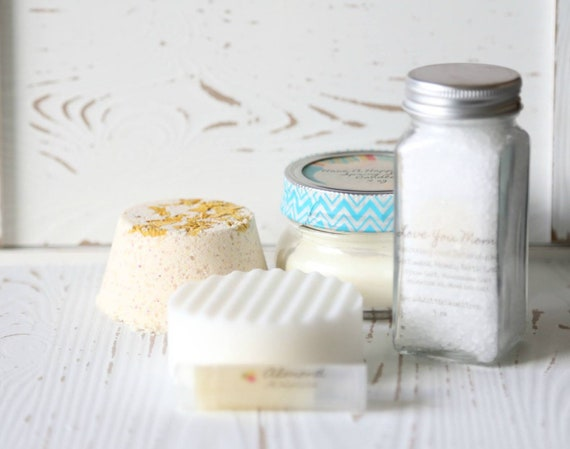 Spa GIFT BOX Mother's Day Spring scent with beautiful bath shaker, large bath fizz, honey oatmel lip balm, a Spring soy candle, soap