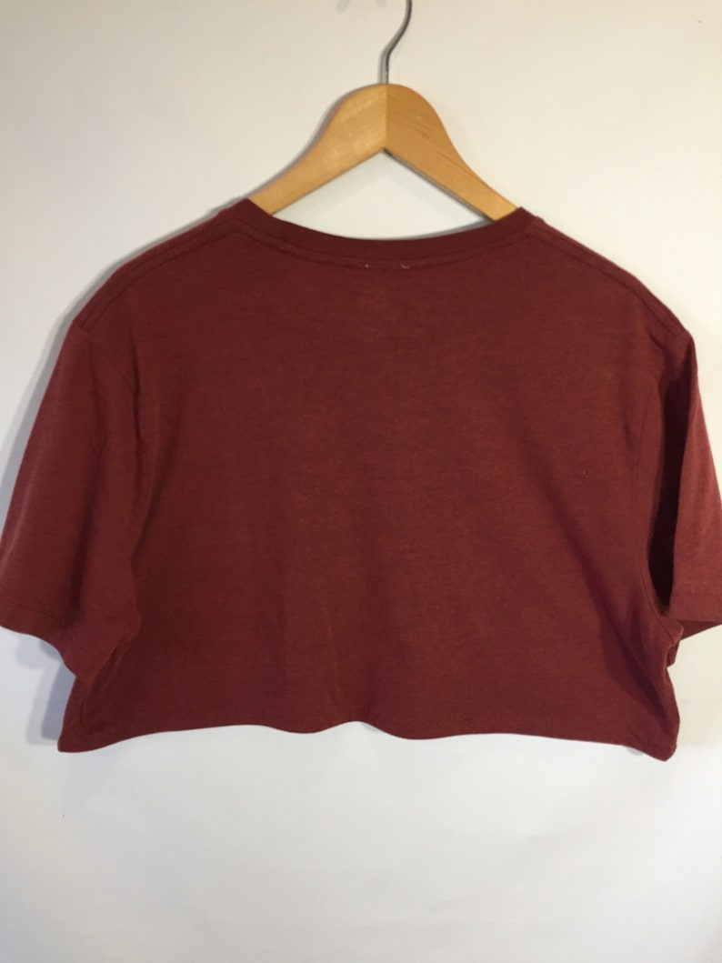 X-LARGE   Let/'s Settle This Cropped Tee.