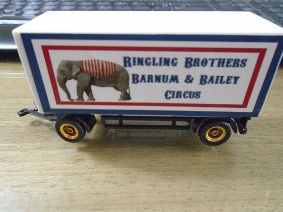 Nice HO Scale Barnum// Ringling Brothers  Clown Circus Wagon