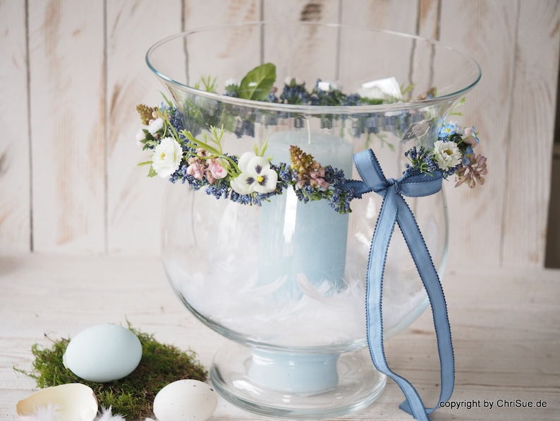 Spring decoration incl. candle feathers image 0