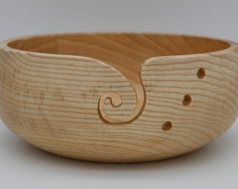 Yarn tray/wool bowl made of ash wood, turned