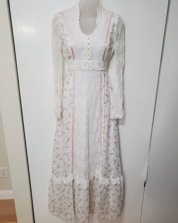 70's Union Made Gunne Sax Inspired Floral and Lace