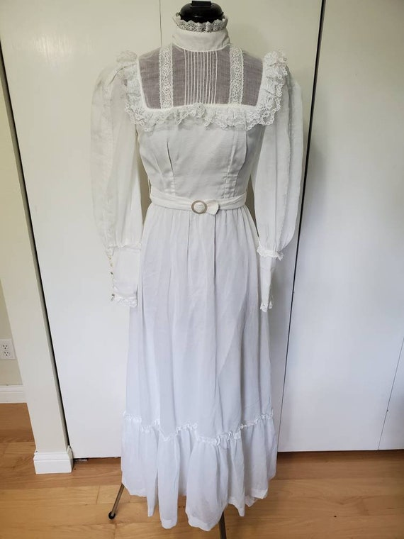 70's Candi Jones of California White Lace Maxi Pra