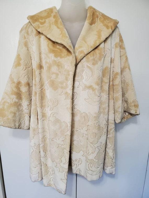 60's Cream Carpet Swing Coat