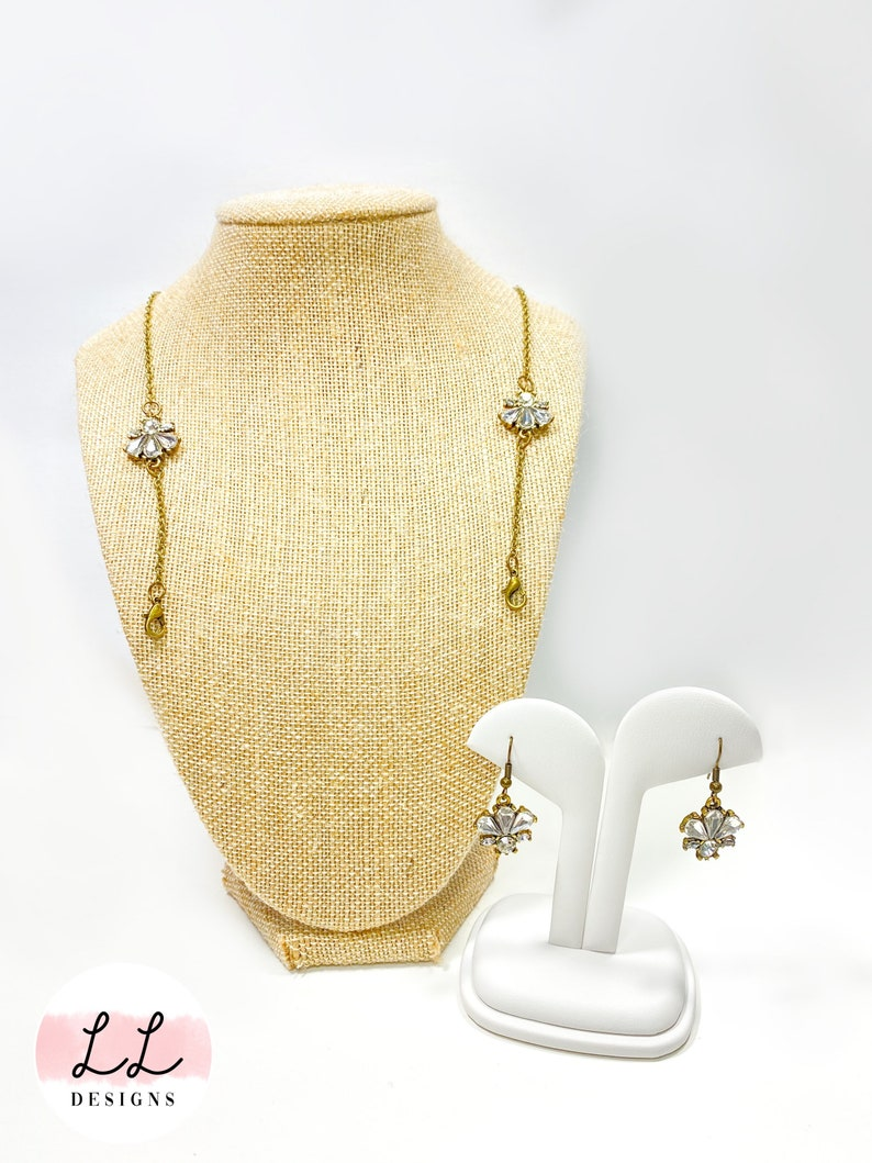 Great hats by party Distressed chain with matching earrings Vintage Crystal Theme Mask Chain