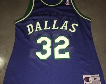 7a2505ece95b Jamal Mashburn Champion Jersey 40 Vintage 1990s Dallas Mavericks Luca Doncic  NBA Basketball