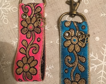 Keychain made of Indian jacquard ribbon
