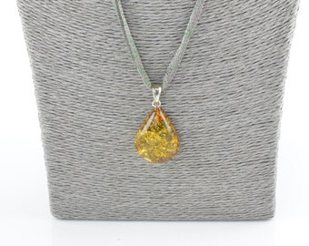 Baltic amber pendant, Jewelry for women, Amber pendant, Gift for her, 7797