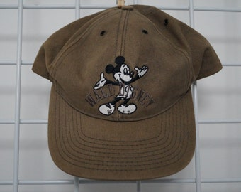 8b6862338fa Vintage Walk Disney Mickey Baseball Cap