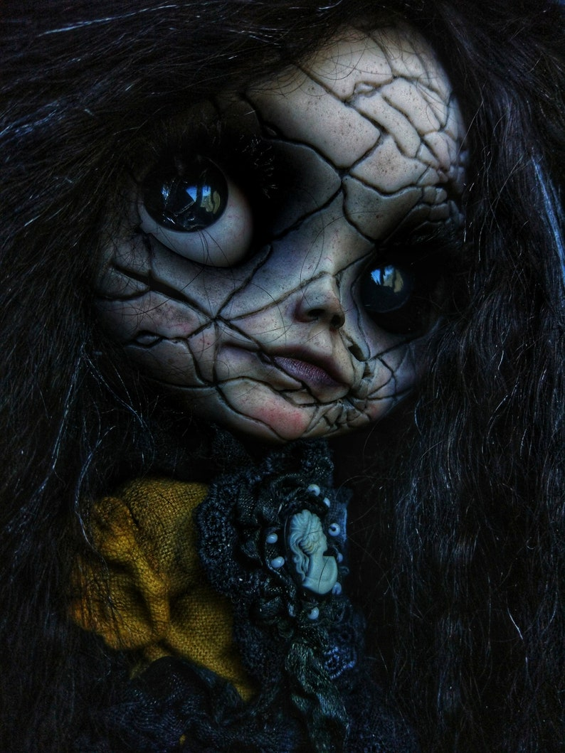 Esmeralda SOLD OUT Blythe Doll OOAK / Scalp wool reroot image 0
