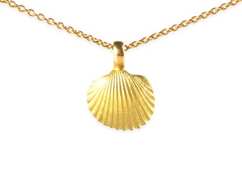 necklace with pendant: sea shell - 18k gold