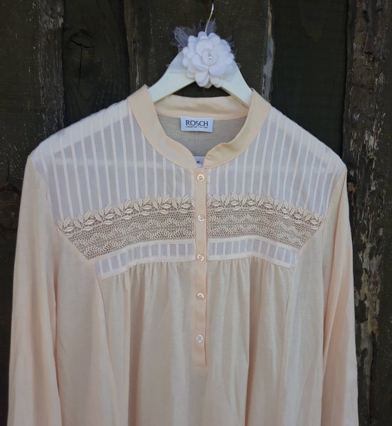 Vintage Rösch Embroidered Pale Peach/Pink Cotton V