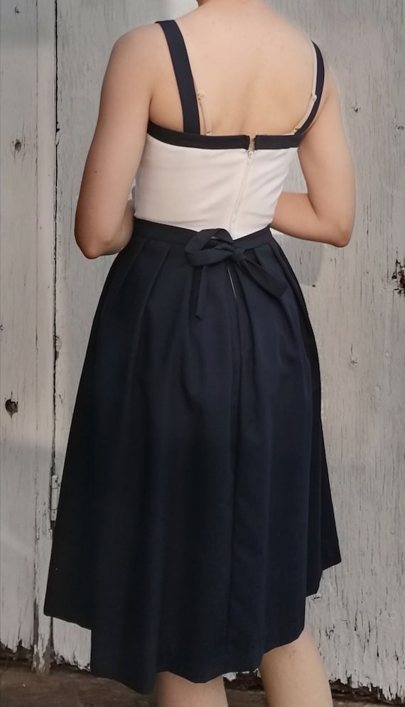 Vintage 1940's Navy Dress & Jacket - image 4