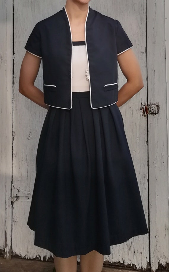 Vintage 1940's Navy Dress & Jacket - image 2