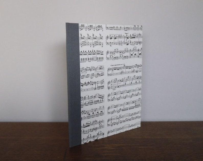 Music folder A4 gray image 0