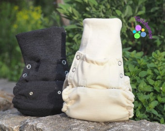 Holding diaper wool with wool cuffs, various colours,