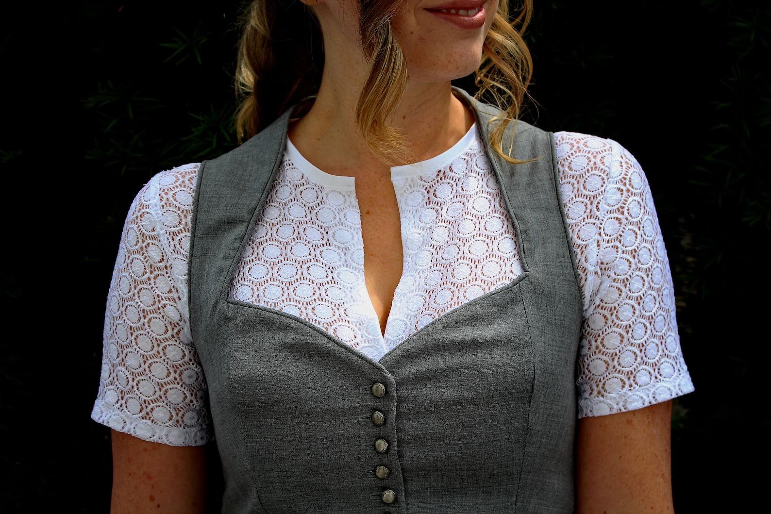 Schnittmuster für hochgeschlossene Bluse mit Knöpfen (34-44)