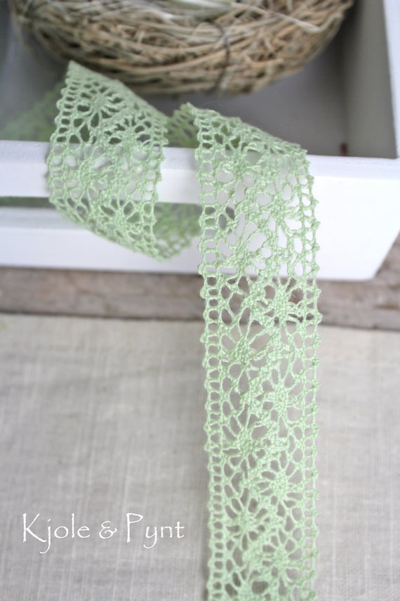 2m cut length 20/% OFF White Lace Craft ribbon trim 8mm
