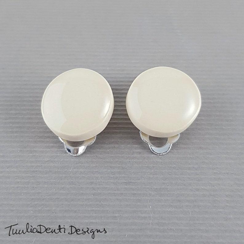 14mm minimalist geometric studs hypoallergenic earrings seashell white disc clip earrings White clip on earrings