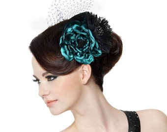 """Fascinator """"Laura"""" - elegant headpiece in petrol and black with flowers and tulle"""