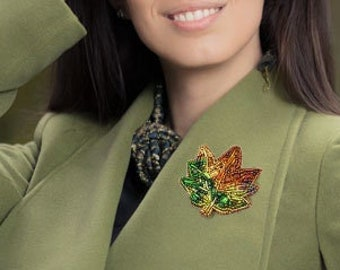 """Beaded embroidered brooch """"Autumn Leaf"""" UNIKAT bright autumn colors"""