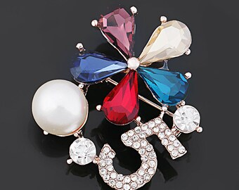 bd7342da1 Top Sales Fashion Number 5 and Crystal Flower Brooch Pins with Simulated  Pearl for Lady or