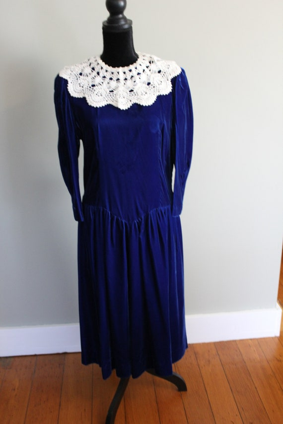 Vintage Blue Velvet Bridesmaid Dress with Puffy Sl
