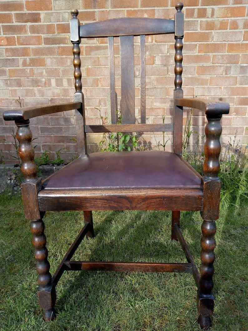 NOW SOLDBeautiful Vintage Carver Hallway Chair with image 0