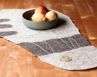 Table runner LYKKE handmade wool felt individually