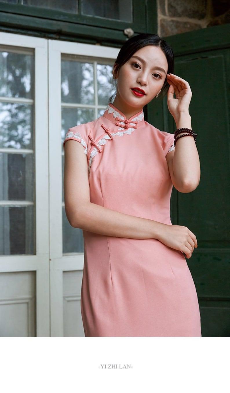 05c8595ffac32 Massif rose Cheongsam robe avec dentelle chinois Qipao rose