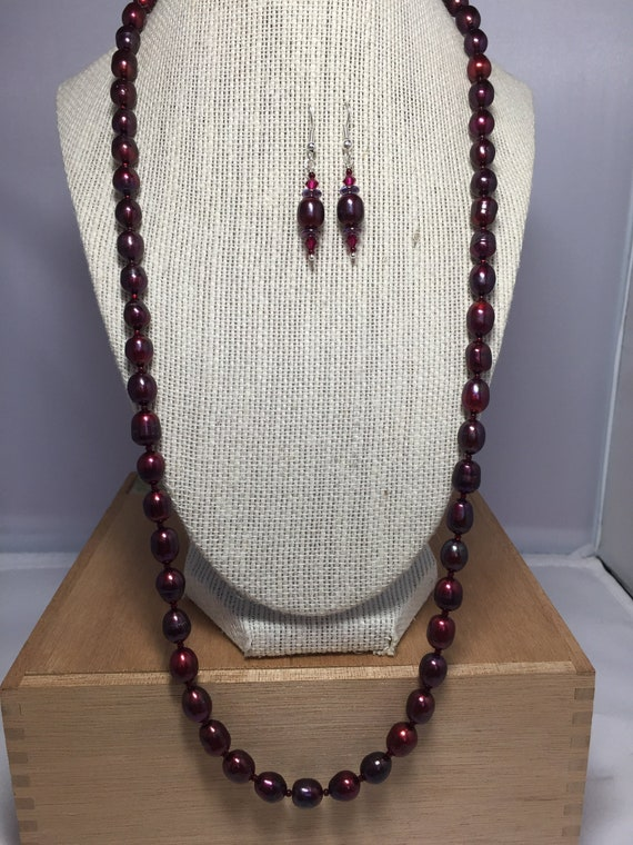 Ooak red pearls jewelry for her birthday Red pearls unique earrings and bracelet Hot red jewelry set Valentine/'s jewelry for her
