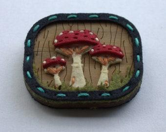 Mushroom wooden brooch, woodland brooch, mushroom accessories, gift for mushroom lover,mushroom jewellery, mushroom badge,gift for forager,