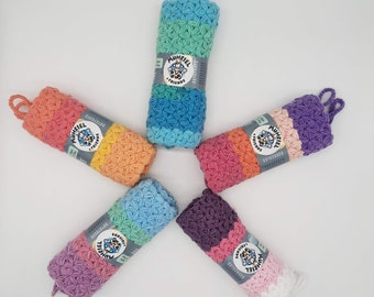 Crocheted pot holders in jasmine pattern - thick and fluffy
