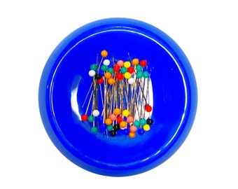 Magnetic Sewing Pin Cushion Needle Cushion Pin Holder Pin Organizer Magnet Clothing Accessories Blue and Include Sewing Pins SUPVOX Pin Cushion