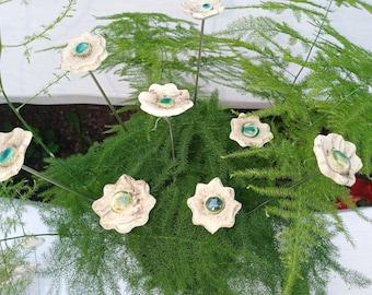 8xCeramic flowers