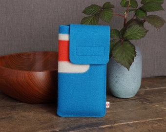 "Smartphone case ""Dark turquoise-beige-light red"""