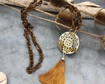 Long chain link chain brown beige horn tassel tassel