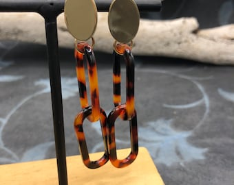 Earrings resin ornament tortie optics oval