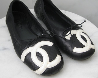 38d6c247d CHANEL Black Quilted Ballerina Slippers Flats Cambon Interlocking C Design  Size US 8