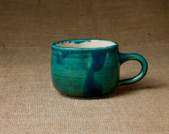 Große Keramik Tasse — bauchig & handgetöpfert