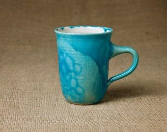 Keramik Tasse, türkis — schmal & elegant