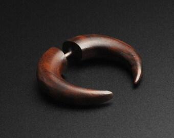 Une paire de népalais en bois de noix de coco Dangler USA ébène tribal Noix De Coco Bois Boucles d/'oreilles