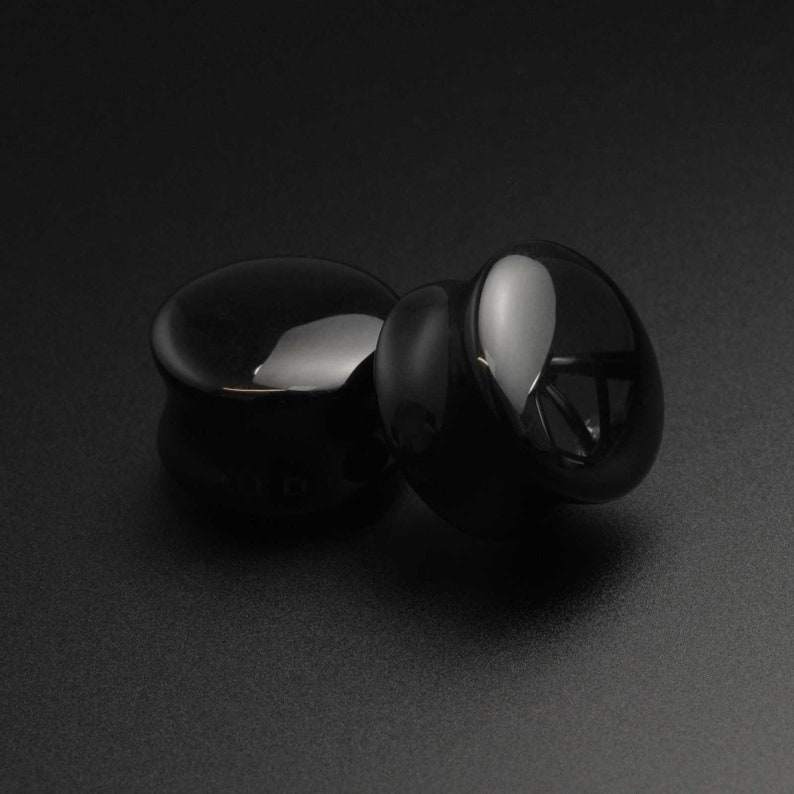 - 16mm 6g 58   FREE Delivery! Sizes 4mm Black Onyx Double Flare Convex Organic Stone Plug