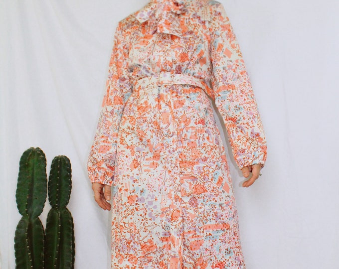 Vintage 70s   Abstract Belted Shirtdress