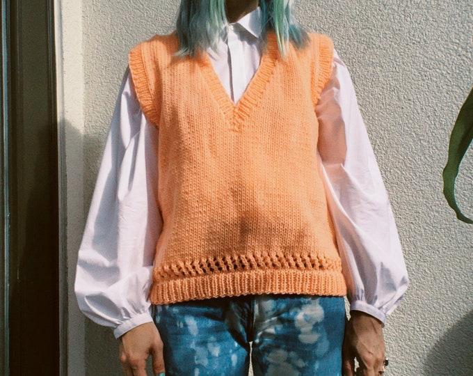 Vintage 80s | Neon Coral Sweater Vest