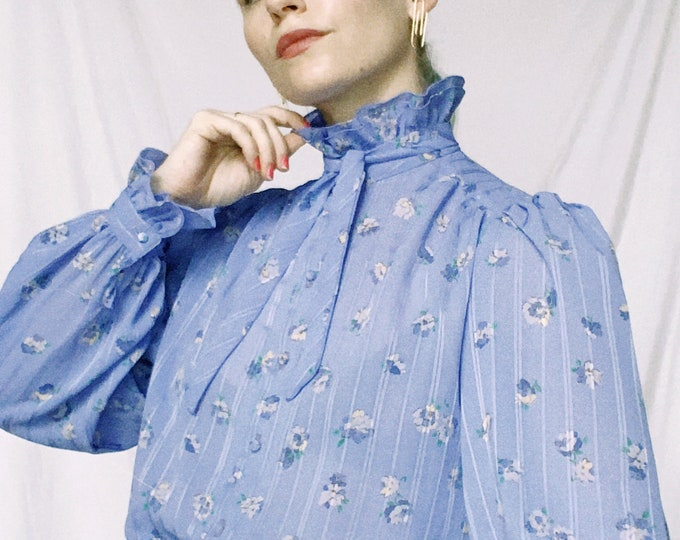 Vintage 80s | Periwinkle Floral Ruffle Blouse