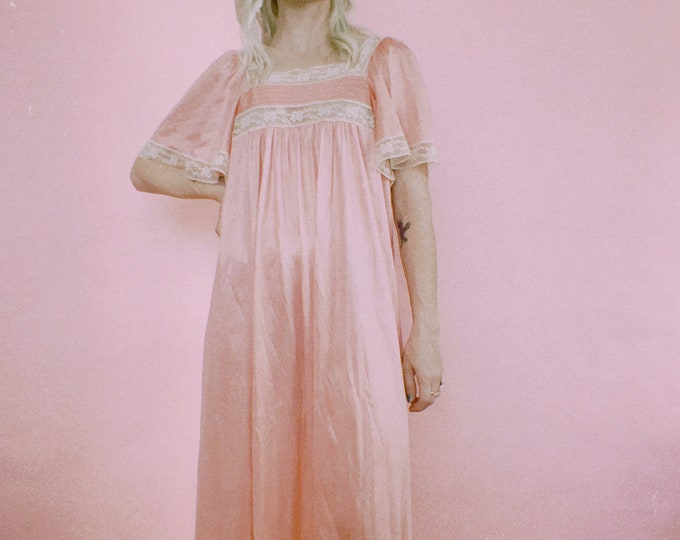Vintage 60s | Babydoll Pink Nylon Nightgown
